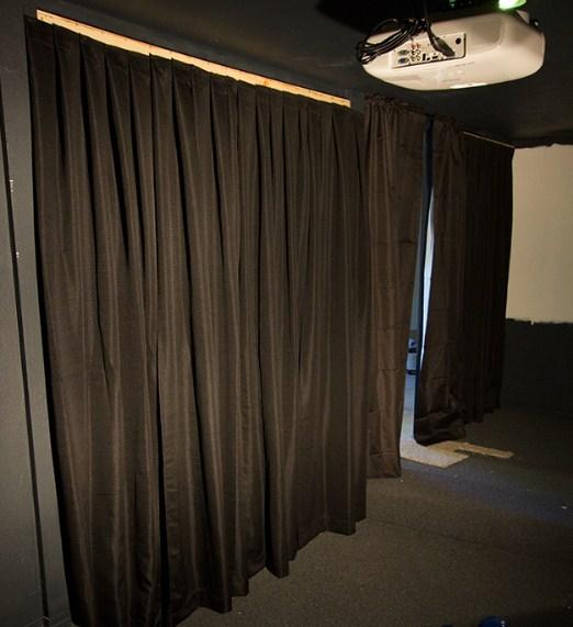 cortinas para mejorar la acústica