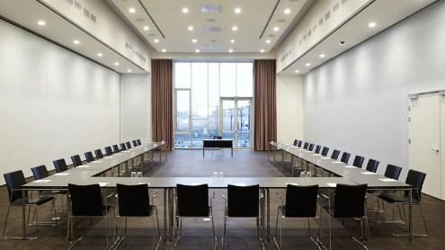 cortinas acusticas y opacas en salas de actos para hoteles