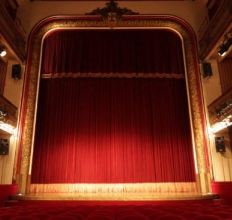 colocación de telones para teatros